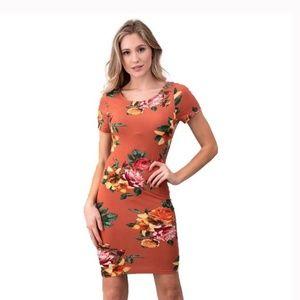 Heart & Hips Dresses - Floral Print Short Sleeve Back Scoop Knit Dress